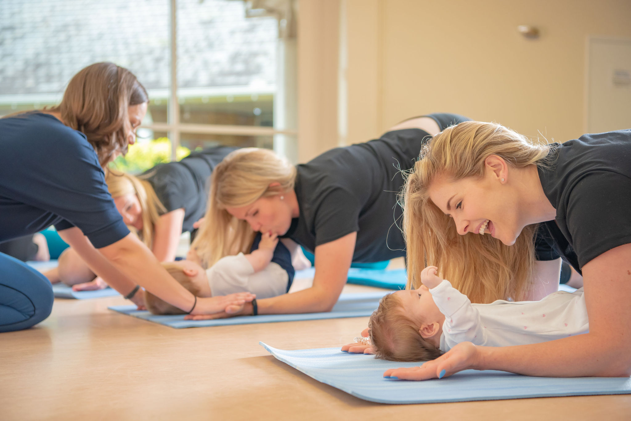 Forearms and knees stretch mums with babies